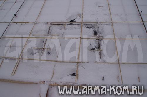 Армирование пола первого этажа, лестничного марша произведено композитной стеклопластиковой арматурой АСП-7...